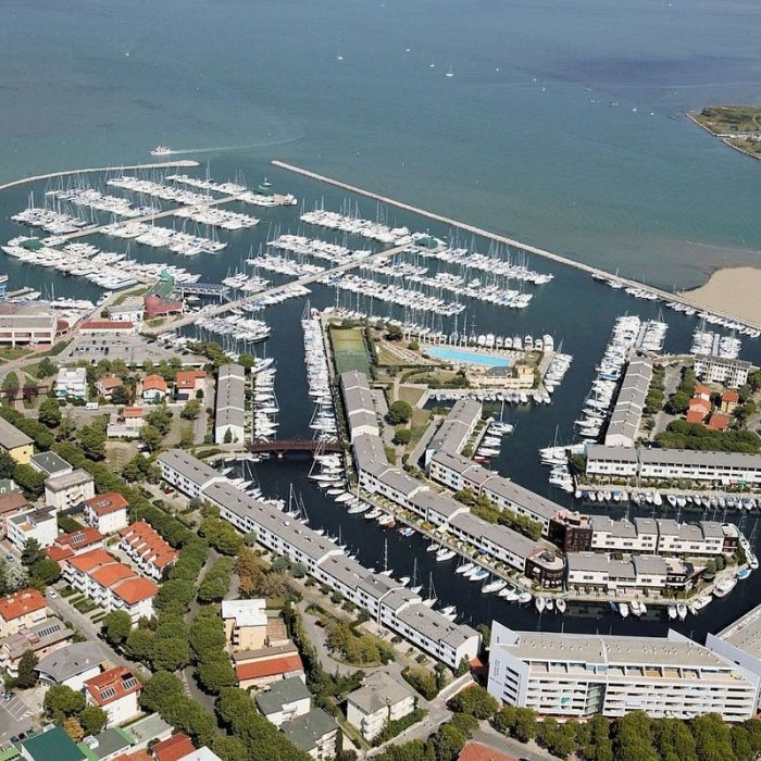 Boat mooring in Lignano for sale BOAT MOORINGS 10x3.5 metres - Europa Group Real Estate